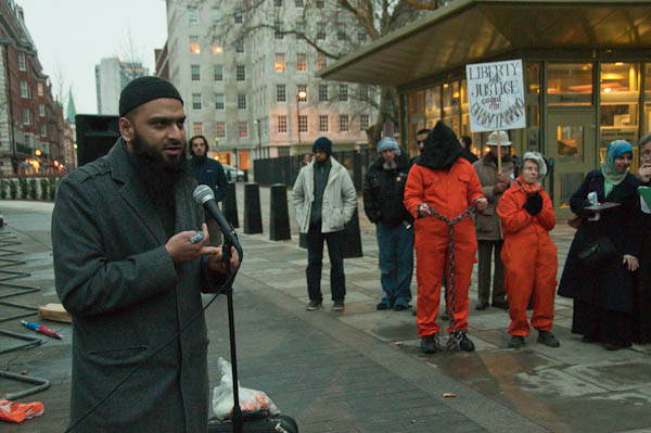 Radical hate preacher Shakeel Begg is a Homophobic gay hater who supports jihad